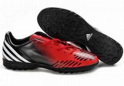 e4ea2da71a9 chaussures de foot blanc
